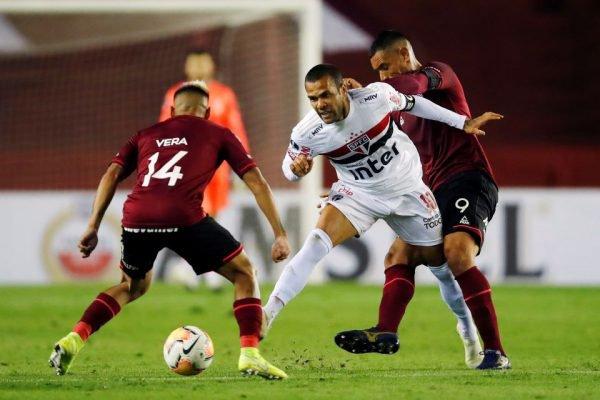 São Paulo perde na Sul-Americana