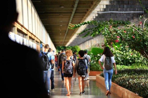 UNB Universidade de brasilia alunos estudante negros cotas