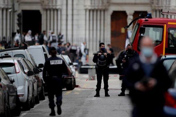 Atentado a faca deixa mortos e feridos em Nice, na França