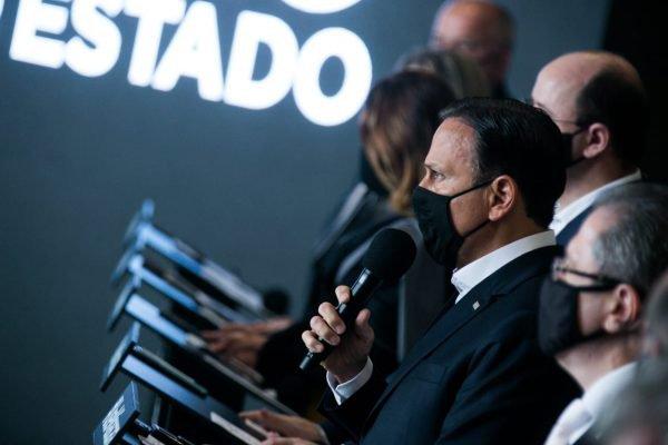 Coletiva de imprensa no Palácio dos Bandeirantes. O governador João Doria faz os informes da semana ao lado de secretários.