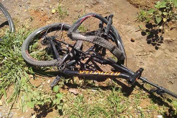 Bicicleta destruída
