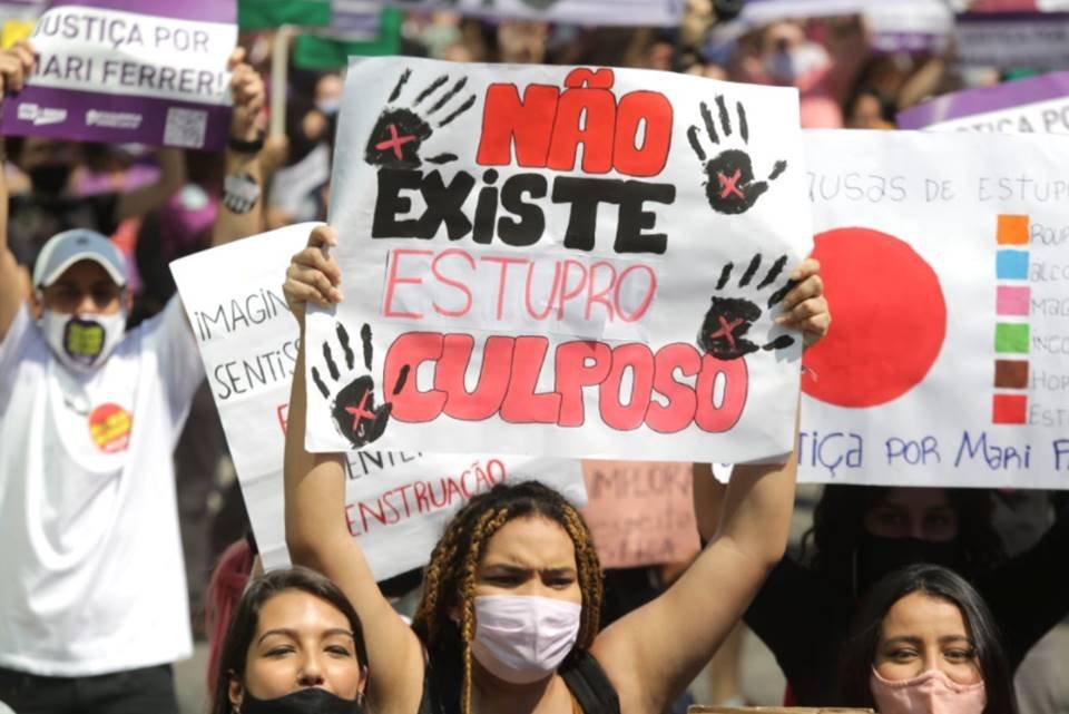Protesto por Mari Ferrer na Avenida Paulista, em São Paulo