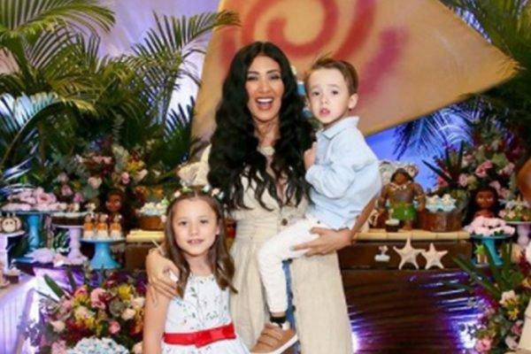 Simaria e família