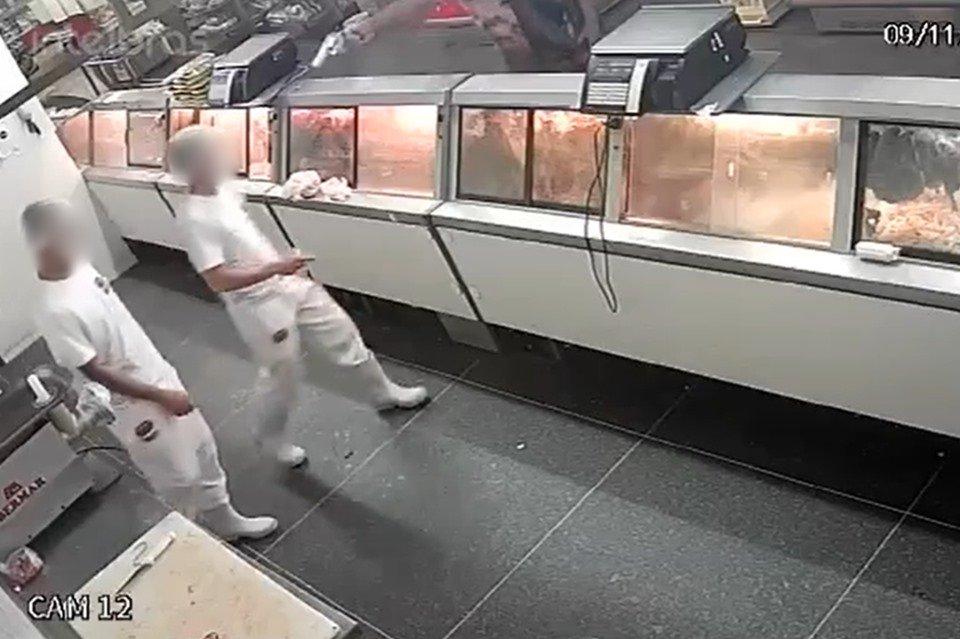 IMAGENS FORTES! Vídeo mostra açougueiro sendo executado a tiros dentro de  supermercado. VEJA VÍDEO - Regionais - Notícias : Ouro Preto Online