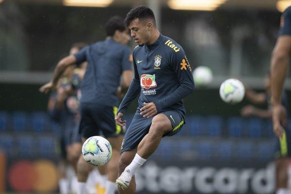Gabriel em treino da Seleção Brasileira