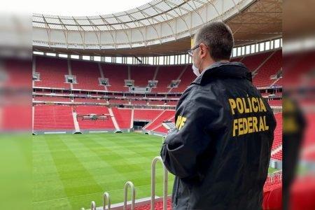 Policial federal faz teste com drone no Estádio Mané Garrincha