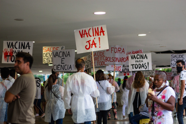 protesters in the Rodoviary