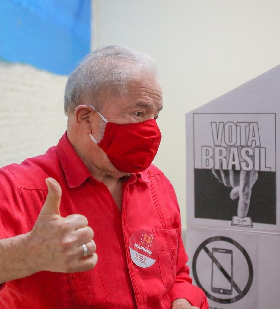 Lula vota em São Bernardo do Campo nas eleições de 2020