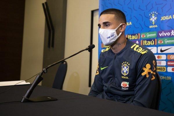 Galhardo em entrevista pela Seleção Brasileira