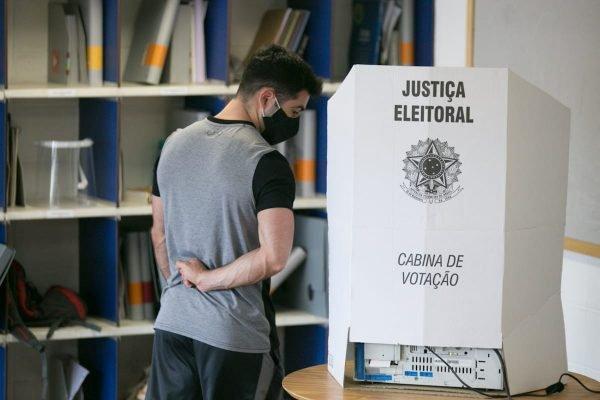 Eleicoes 2020 SP Movimentação na Vila Ida eleicoes sao paulo zona eleitoral voto SP votacao