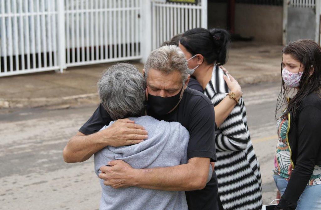 """Quando eu cheguei meu filho estava caído"""", diz pai de PM morto no DF"""