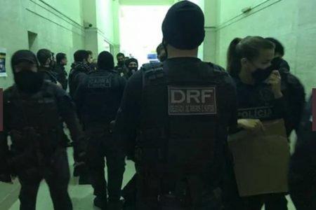policiais em operação