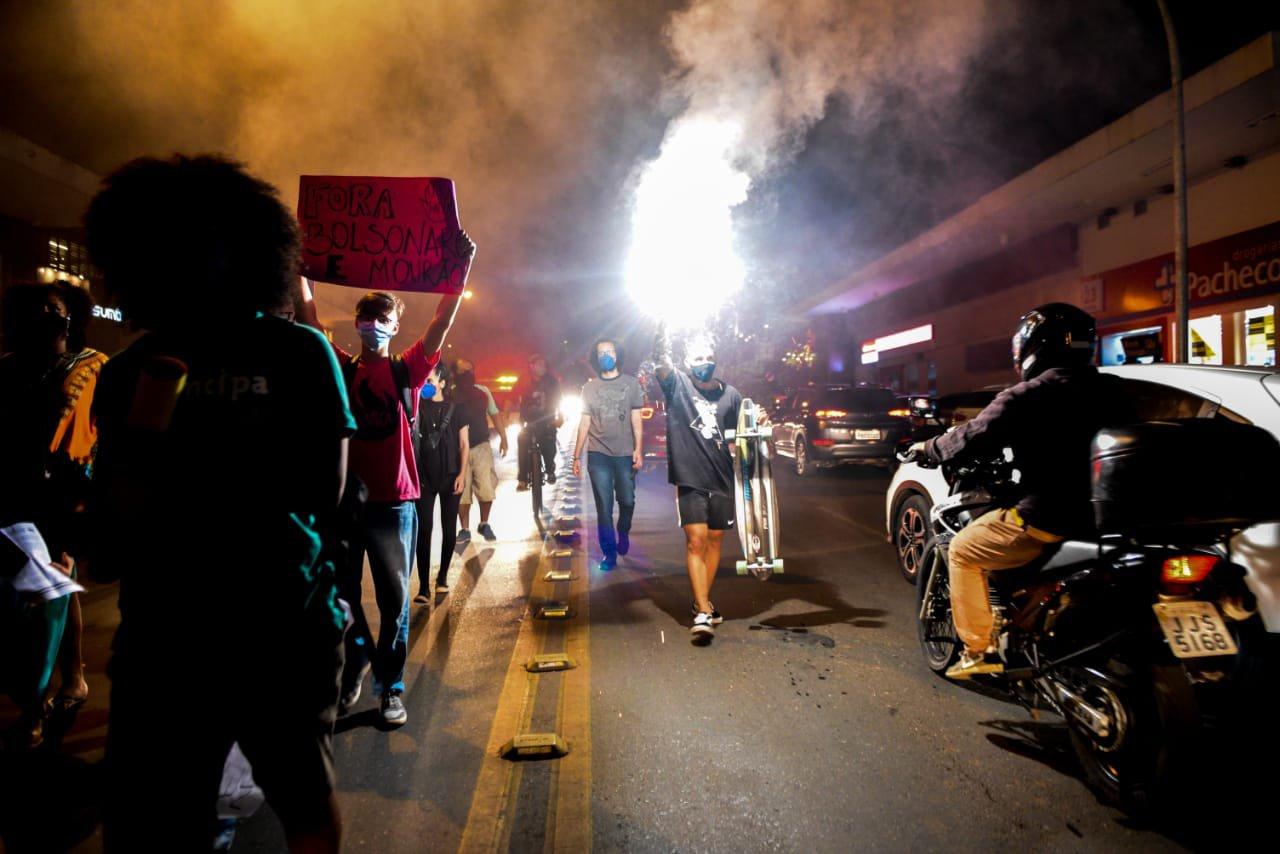 Manifestação pela morte de João Alberto Freitas, um homem negro, em Carrefour de brasília 6