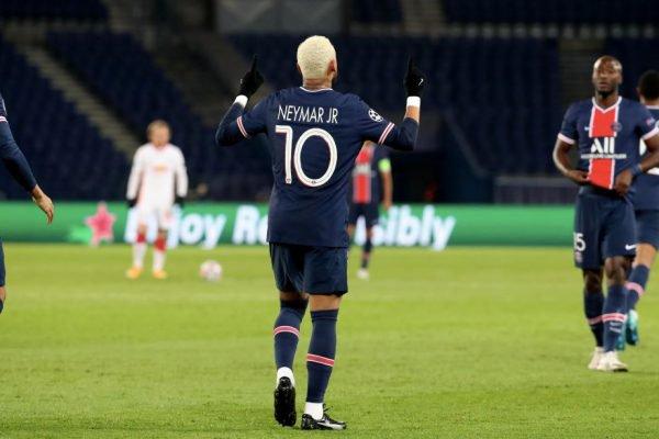Neymar marca na Champions