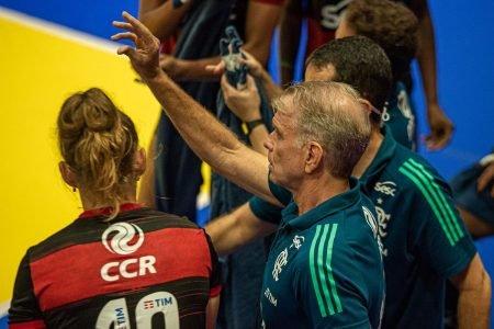 Bernardinho comanda Flamengo Superliga Feminina de Vôlei