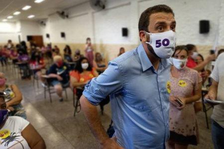 O candidato Guilherme Boulos teve reunião com mulheres
