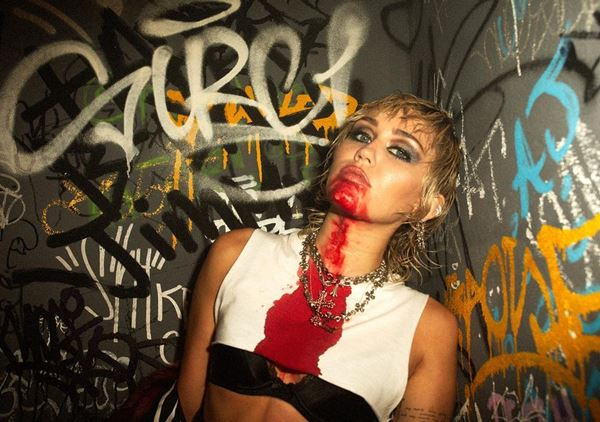 Miley Cyrus feat Dua Lip