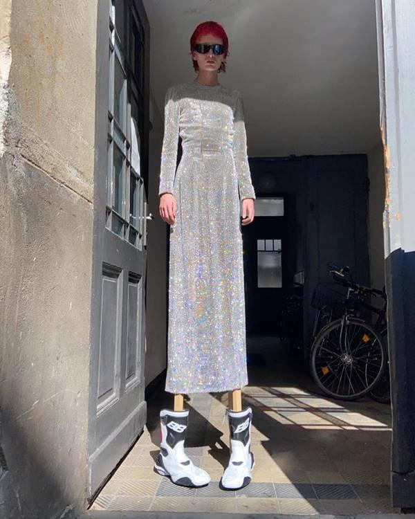Vestido da grife Balenciaga