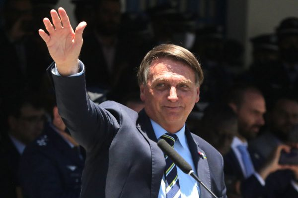Jair Bolsonaro, presidente da República, participa de um evento na Escola especialista em aeronáutica-52