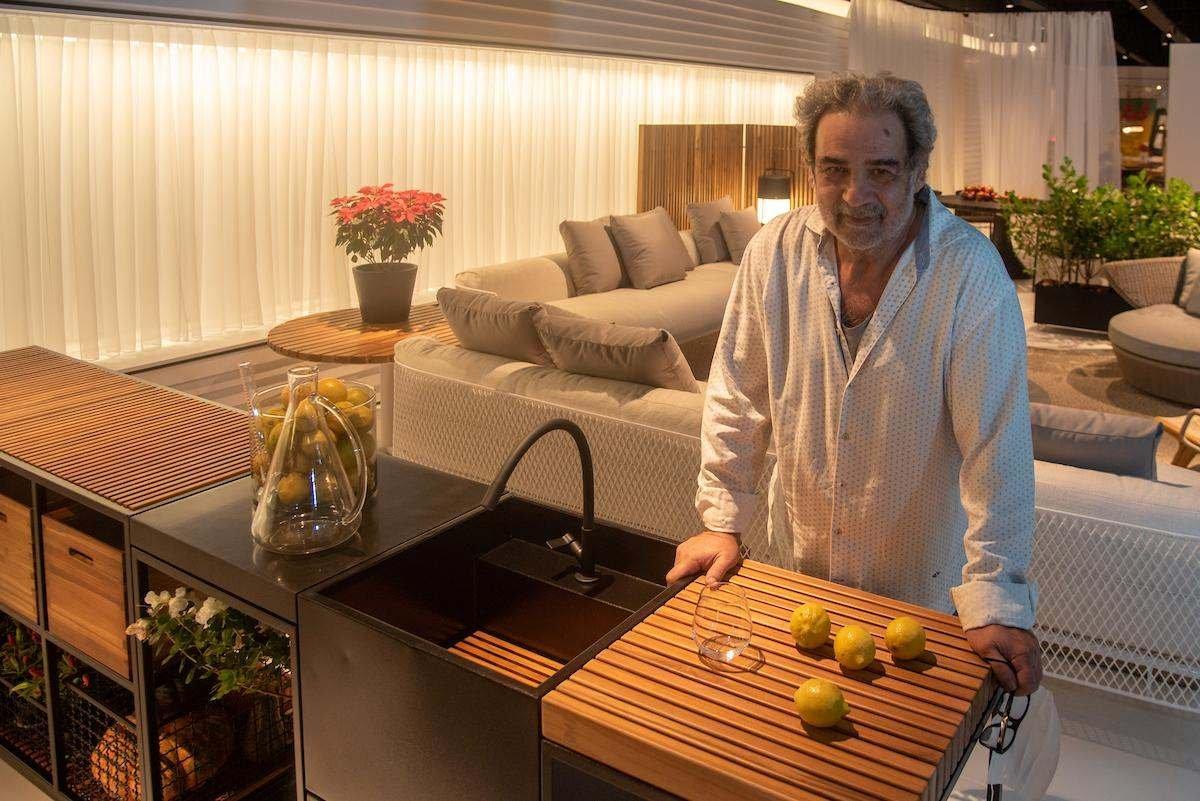 Brasília (DF), 25/11/2020 Entrevista com o designer brasileiro Jader Almeida Local: Hill House no Casa Park Foto: Hugo Barreto/Metrópoles