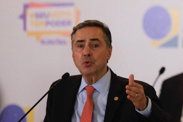 coletiva de imprensa e epuracao dos votos no TSE com o ministro Luiz Roberto Barroso 12