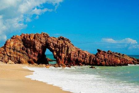 pedra na praia de jericoacoara