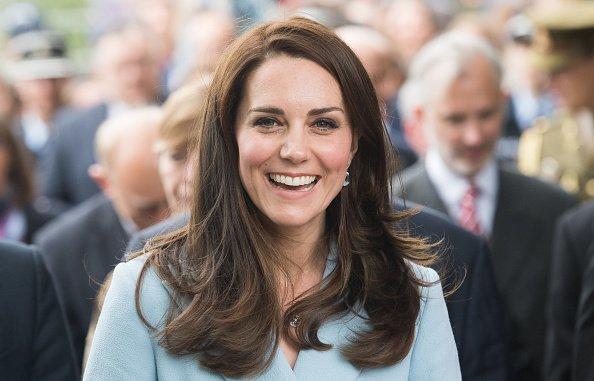 """Rosto """"bravo"""" e vômito: Kate Middleton deixa escapar os emojis que mais usa"""