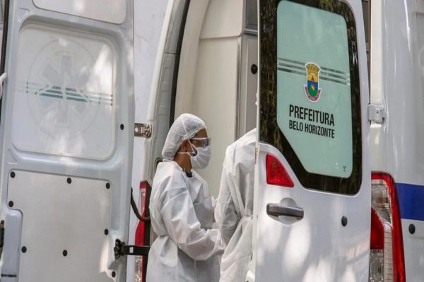Covid-19 BH; Ambulância em Belo Horizonte
