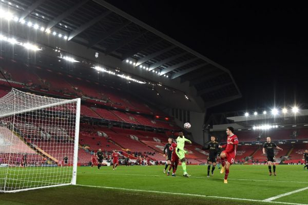 Liverpool avança na Champions