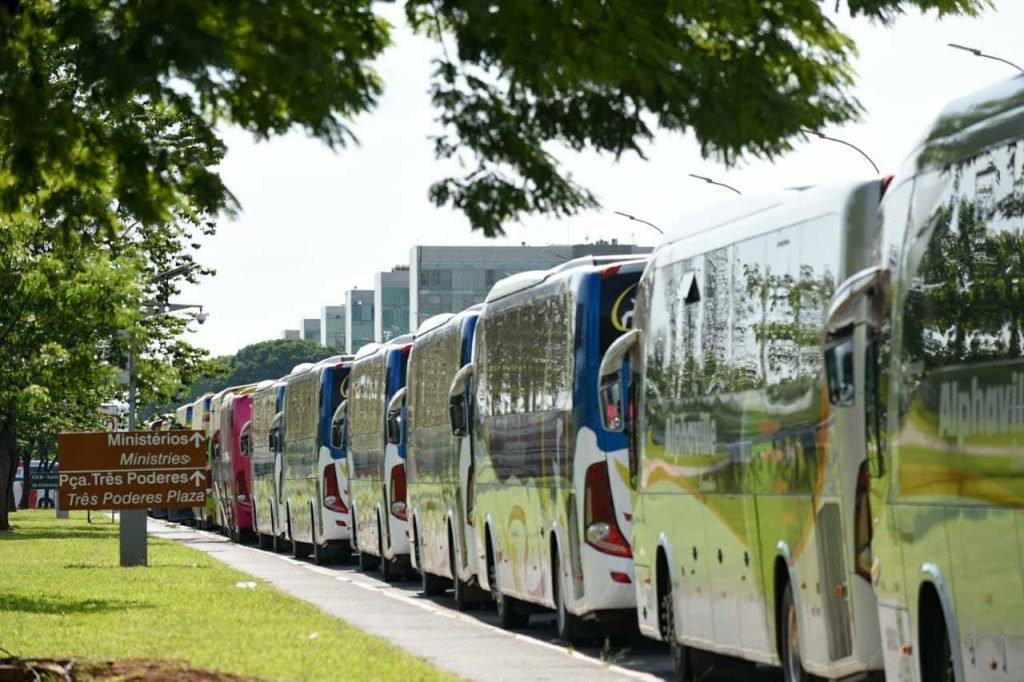 Fretadoras de ônibus protestam em Brasília 1