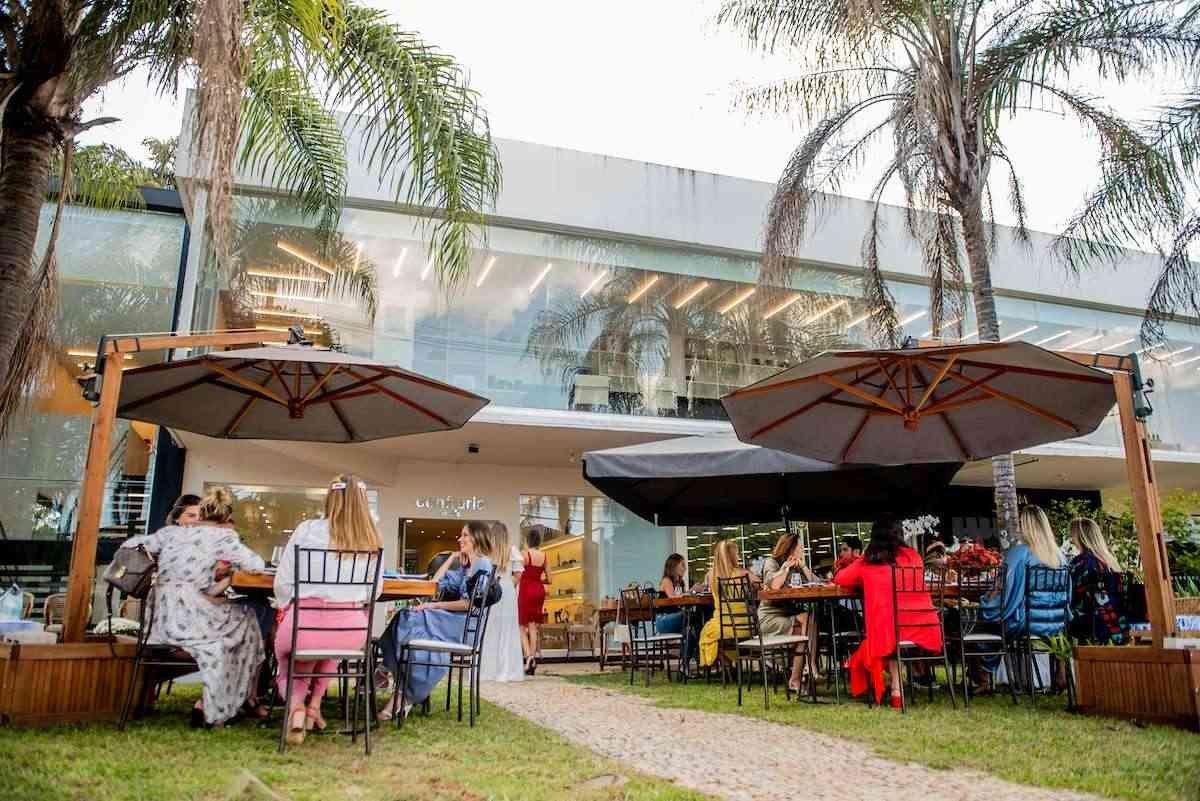 Brasília (DF), 03/12/2020. Viviane Zebral, Paula Ávila, Isabella e Ana Teresa Koenigkan realizam almoço na loja Confraria e Quatro. Foto: Jacqueline Lisboa/Especial Metrópoles