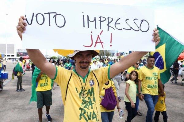 Manifestação a favor do voto impresso