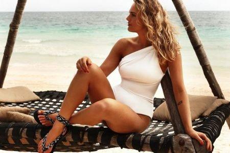 Gabriela Silvarolli em campanha da Corello