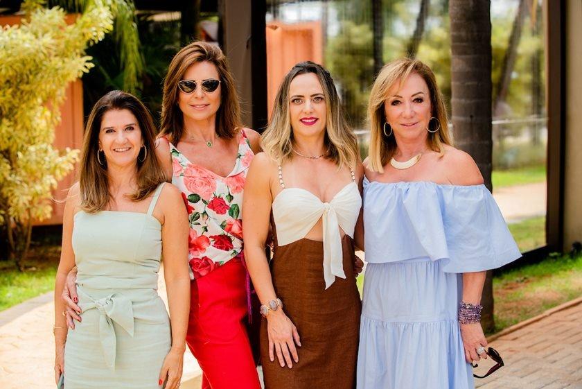 Lara Calaça, Valéria Monsanto, Juliana Cabral e Arlete Egido