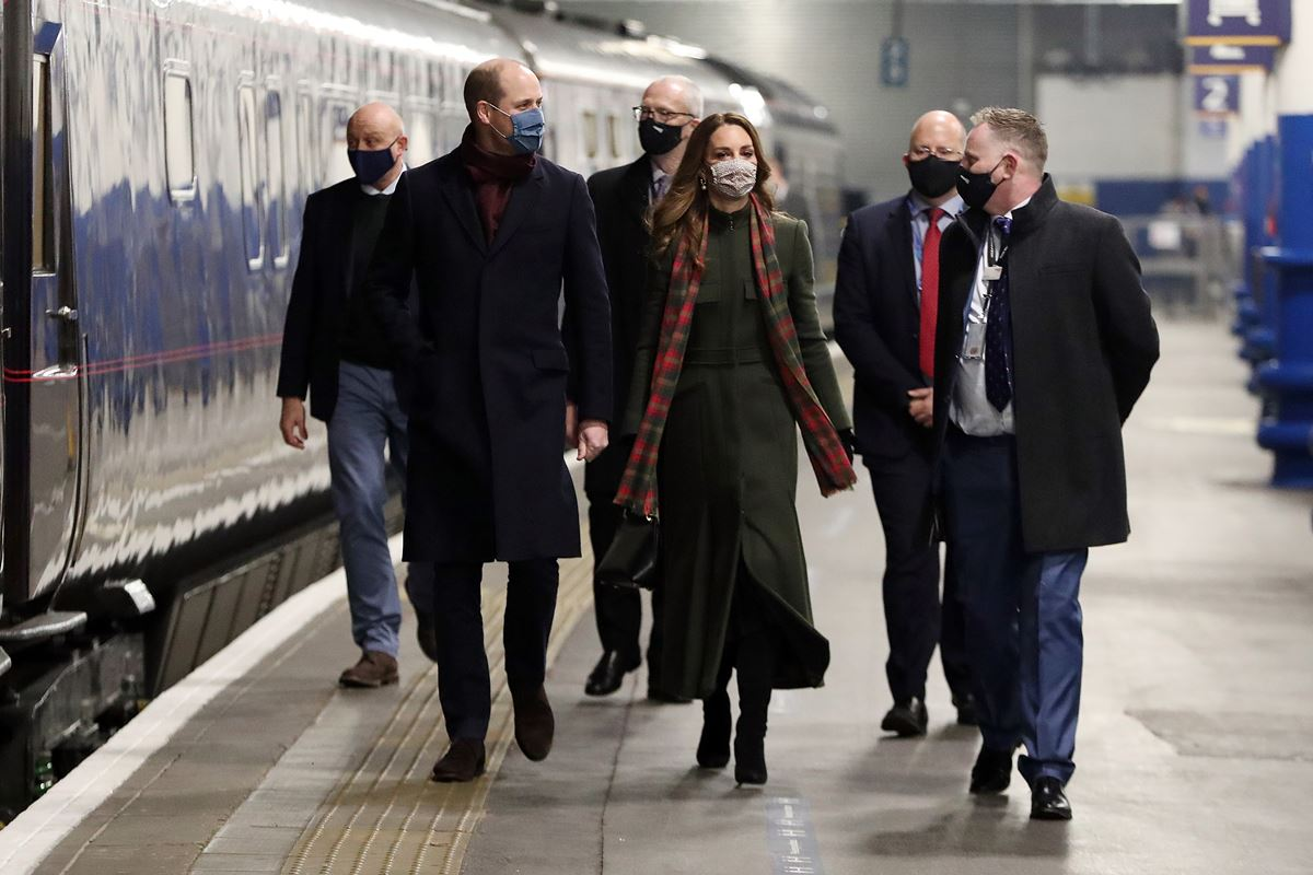 Príncipe William e Kate Middleton no British Royal Train - Trem Real