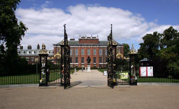 fachada do palácio de kensington em Londres