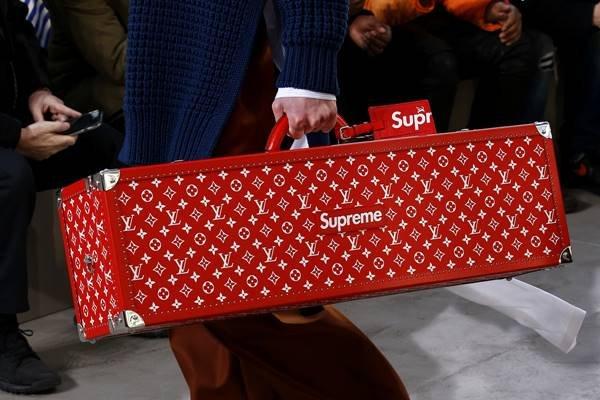 Mala da Louis Vuitton x Supreme