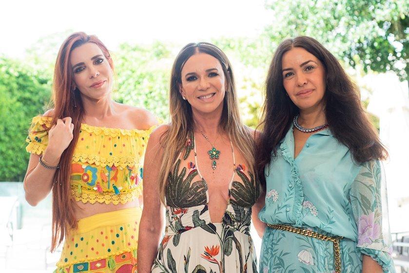 Mima Marys, Kika Cardoso e Claudia Meireles