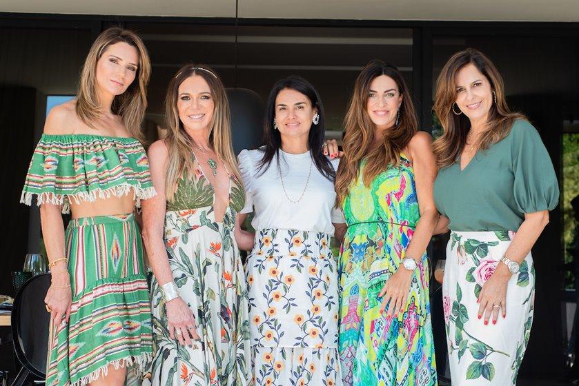 Adriana Chaves, ika Cardoso, Sônia Lim, Ana Paula Gonçalves e Marcela Vilasboas