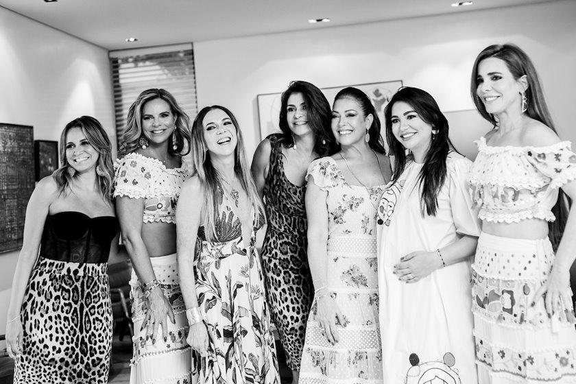 Vanessa Lemos, Claudia Salomão, Kika Cardoso, Junia Souto, Georgia de Luca, Clarice Lagares e Mima Marys