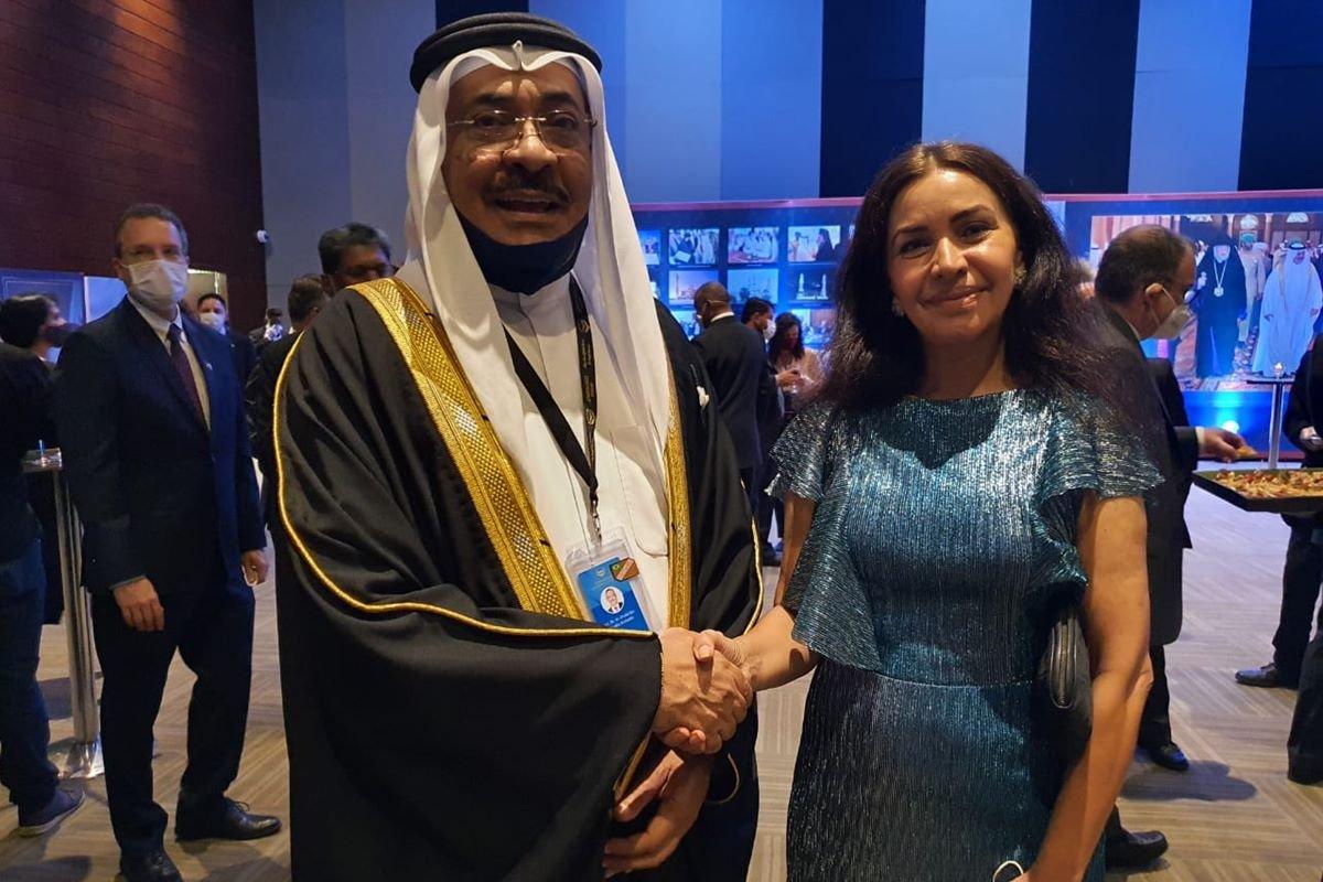 Sheikh Khalid Khalifa Duaji Alkhalifa e Claudia Meireles