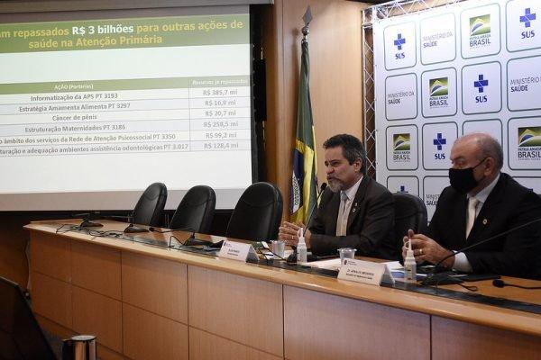 Ministério da Saúde realiza coletiva de imprensa para atualização do cenário de combate ao coronavírus