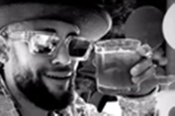 Neymar com drink
