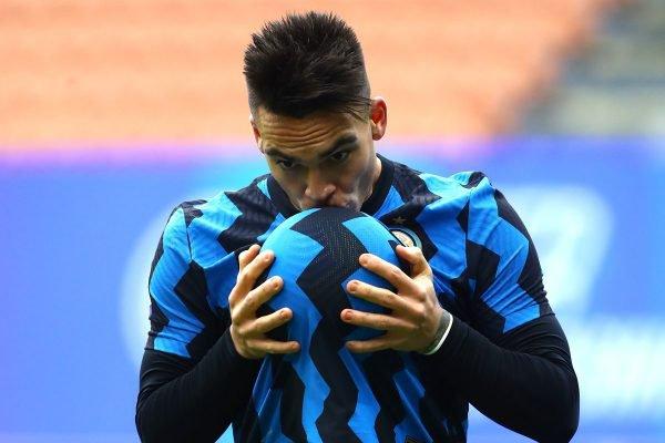 Lautaro Martinez faz três gols e comemora na Inter de Milão