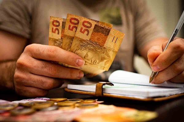 Dinheiro -auxilio - 50 reais