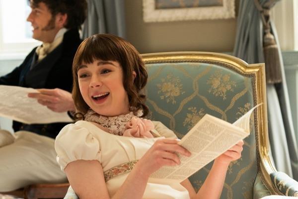 Claudia Jessie como Eloise Bridgerton