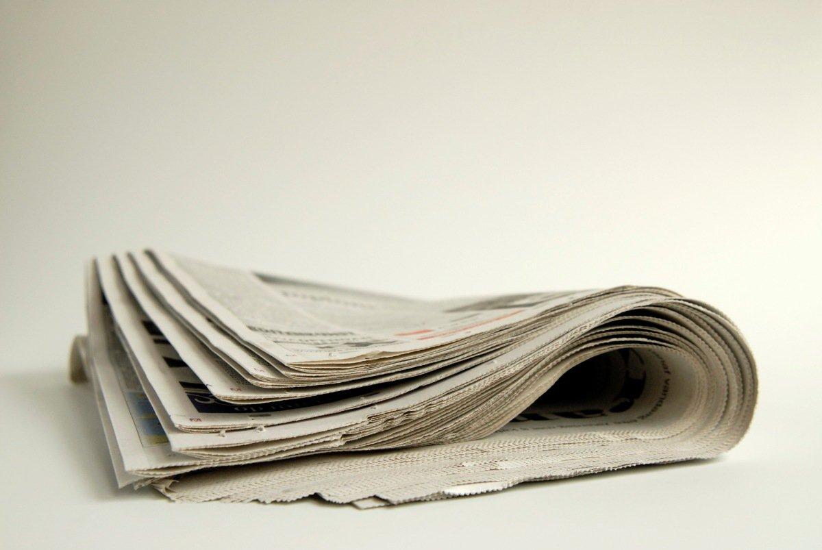 jornais dobrados
