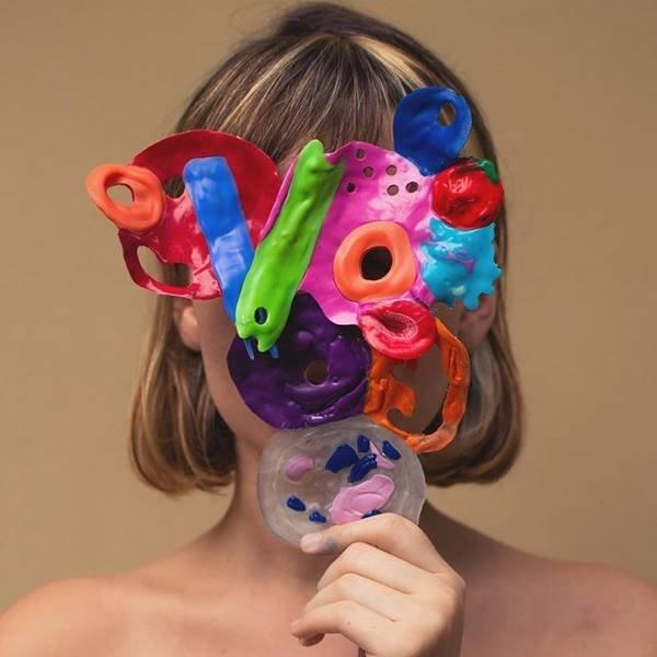 Máscara colorida