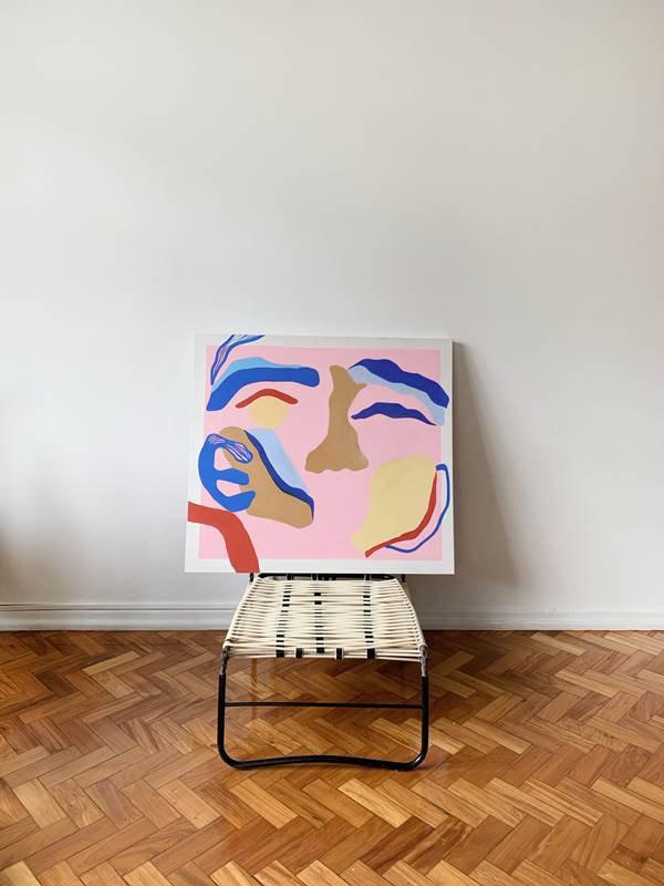 Quadro sobre cadeira
