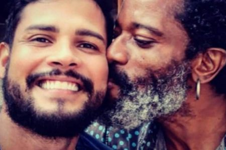 Flávio Bauraqui e namorado